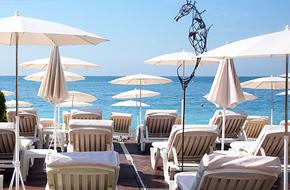 plage-privee-beau-rivage-nice-location-matelas